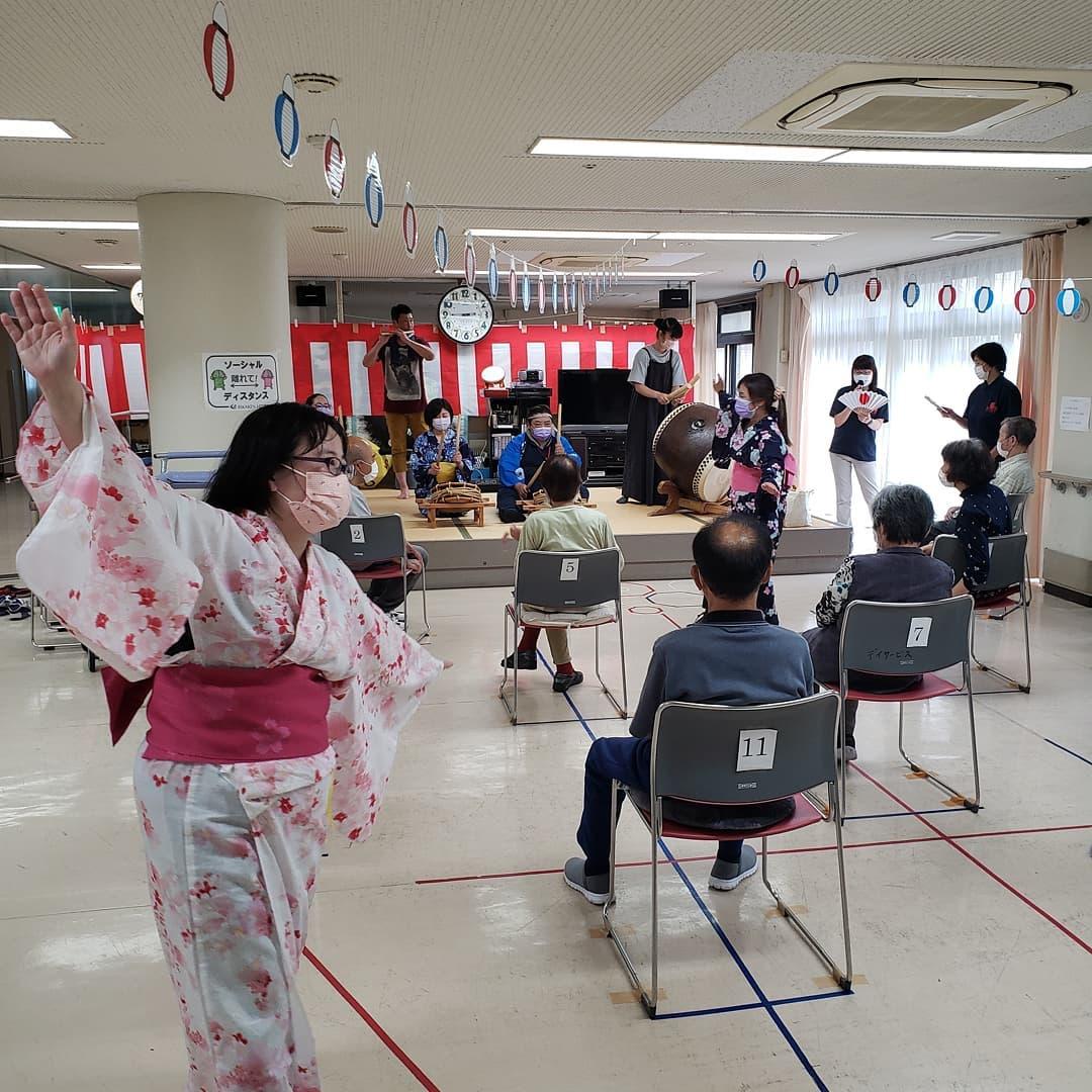 デイ納涼祭  デイサービスでの納涼祭風景となります。お守り作りが好評でした。秩父音頭で〆となりました #横瀬町  #横瀬デイサービスセンター  #納涼祭